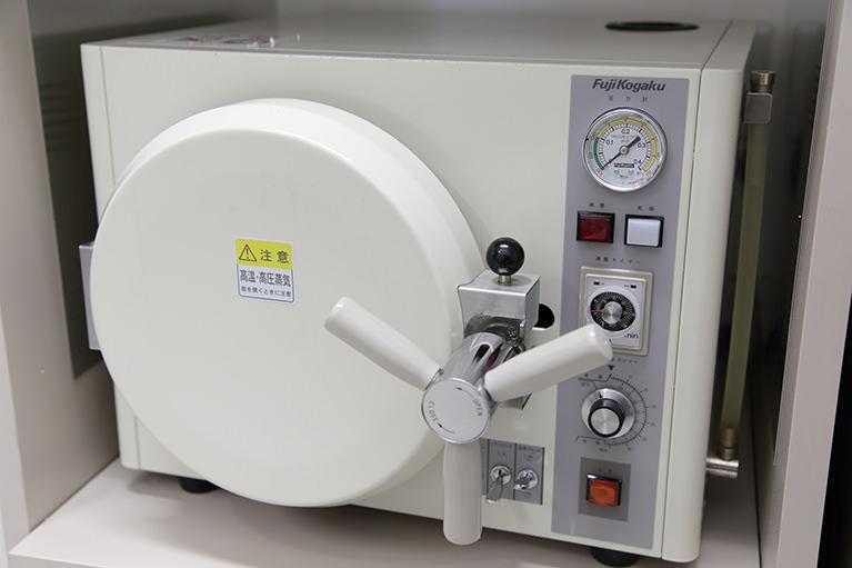 高圧蒸気滅菌器(オートクレープ)